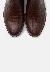 Tamaris - Vysoká obuv - mahogany - 5