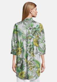 Betty Barclay - Button-down blouse - white/green - 2