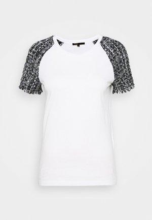 TIACOU - Print T-shirt - blanc/noir