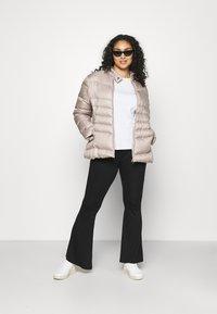 Lauren Ralph Lauren Woman - MOTO FILL JACKET - Piumino - luxe chino - 1
