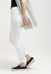 MAC Jeans - DREAM - Jeans Skinny Fit - white - 3
