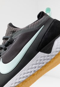 Nike Performance - FC - Indoor football boots - anthracite/black/teal tint/light brown - 5
