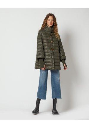 Winter coat - verde militare
