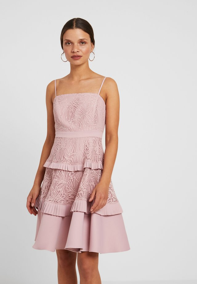 STRAPPY SPLICED DRESS - Vestito elegante - blush