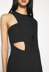 Missguided - CUT OUT ONE SLEEVE MIDI DRESS - Vestido ligero - black - 5