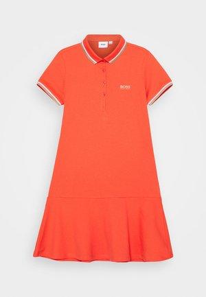 Žerzejové šaty - peach