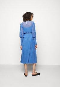 Bruuns Bazaar - THORA ELLIEA DRESS 2-IN-1 - Day dress - blue sky - 2