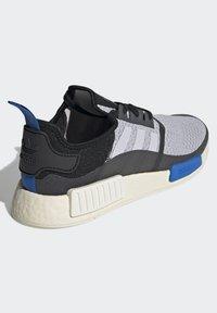 adidas Originals - NMD_R1 - Matalavartiset tennarit - dash grey/core black/glory blue - 3