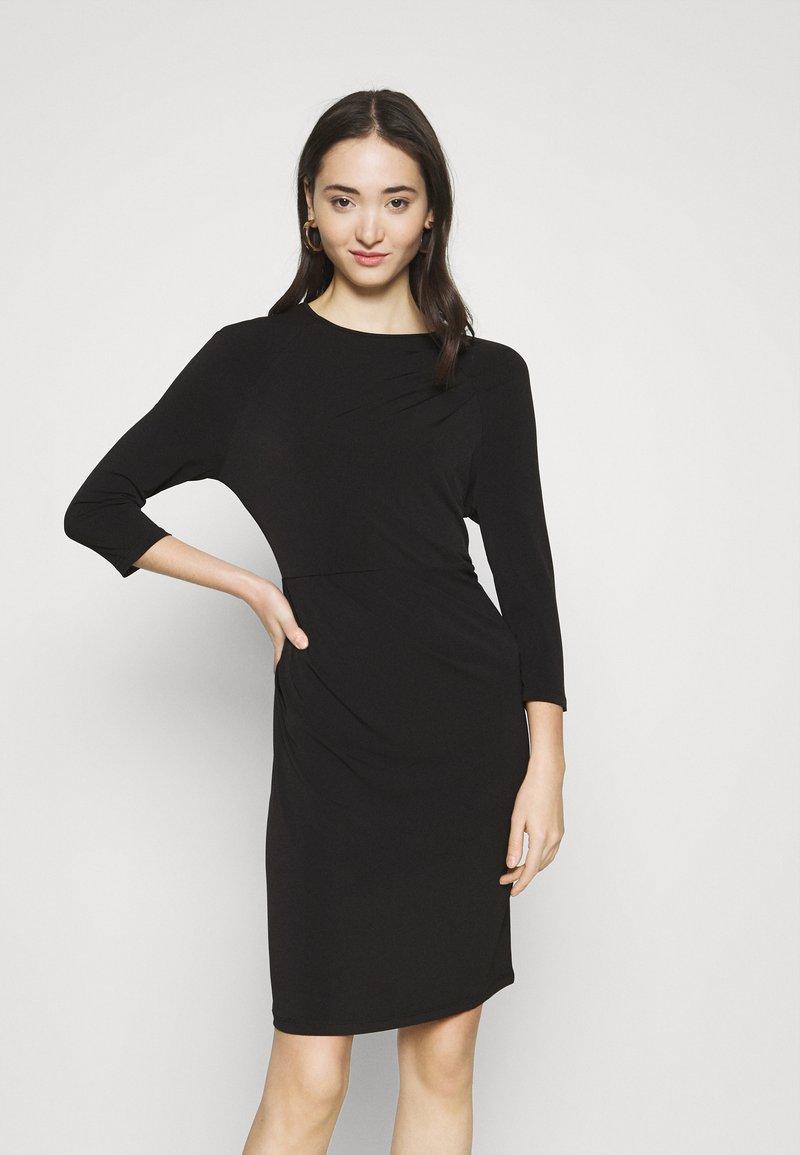 Vero Moda - VMMELINDA DETAIL DRESS - Jerseykjole - black