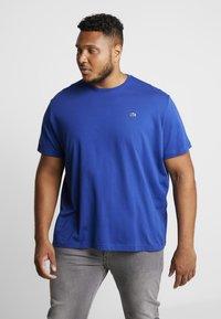 Lacoste - T-shirt basic - capitaine - 0
