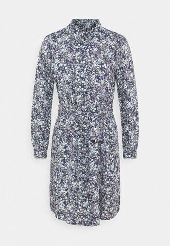 PCPAOLA DRESS - Skjortekjole - ombre blue