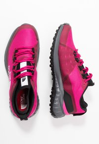 The North Face - ULTRA TRACTION - Zapatillas de trail running - pink/black - 1