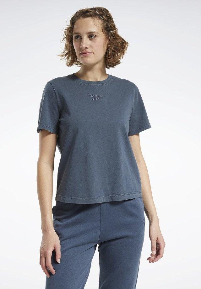 WASHED T-SHIRT - Basic T-shirt - blue