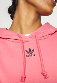 adidas Originals - HOODIE - Hoodie - hazy rose - 5