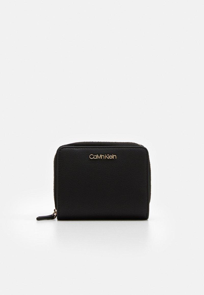 Calvin Klein - WALLET FLAP  - Lommebok - black