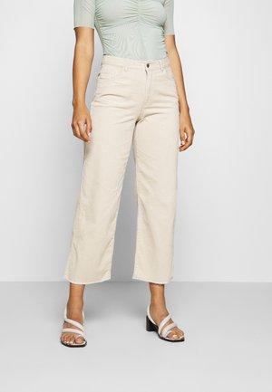 JDYKIRA LIFE  - Spodnie materiałowe - beige