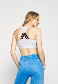 Kappa - EBBA - Sujetadores deportivos con sujeción media - bright white - 2