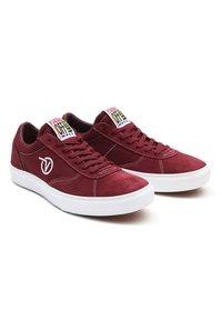 Vans - UA PARADOXXX - Sneakers - port/white - 2