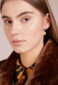 Julie Sandlau - SIGNATURE EARRING - Örhänge - gold-coloured - 1