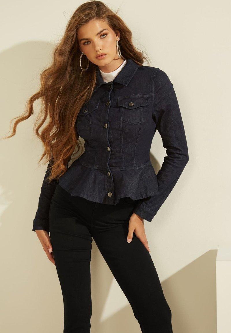 Guess - VOLANTS - Denim jacket - dunkelblau