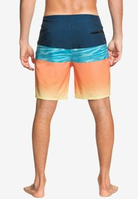 Quiksilver - HIGHLINE HOLD DOWN  - Swimming shorts - majolica blue - 2