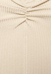 Claudie Pierlot - MINILI - Jednoduché triko - beige - 6