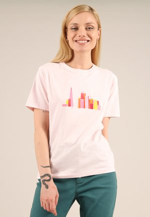 LONDON SKY - Print T-shirt - pink