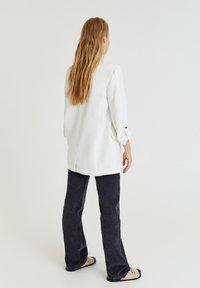 PULL&BEAR - Cappotto corto - white - 2
