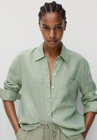 Mango - Button-down blouse - grün - 0