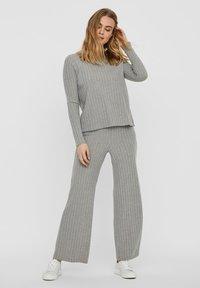 Vero Moda - Trousers - light grey melange - 1