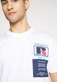 Russell Athletic Eagle R - SCOTT - T-shirt con stampa - white - 5