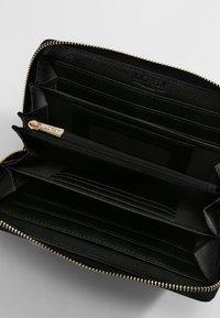 L.CREDI - EBBA  - Wallet - schwarz - 2