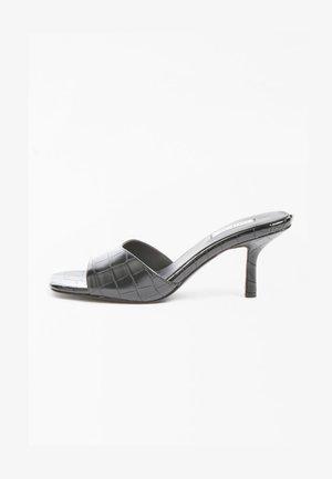 COCCO - Sandals - schwarz