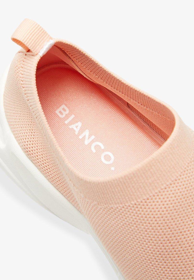 Bianco Sneakers Strick - Powder4
