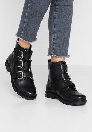 XOFIR - Kovbojské/motorkářské boty - black