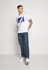 Nike Sportswear - BBALL PHOTO TEE - Print T-shirt - white - 1
