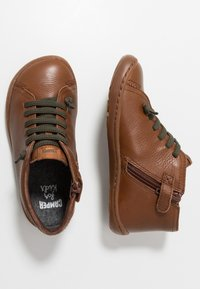 Camper - PEU CAMI KIDS WARM LINING - Volnočasové šněrovací boty - medium brown - 0