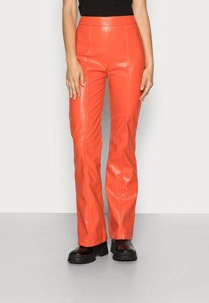 DOLLY PANTS - Spodnie materiałowe - orange