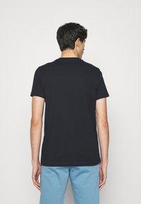 PS Paul Smith - SLIM FIT FLORAL SKULL LOGO - Print T-shirt - dark blue - 2