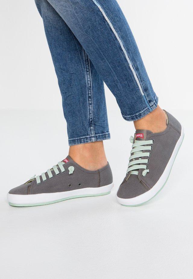 PEU RAMBLA - Sneakers basse - pepa swing/calle blanco/fluorita