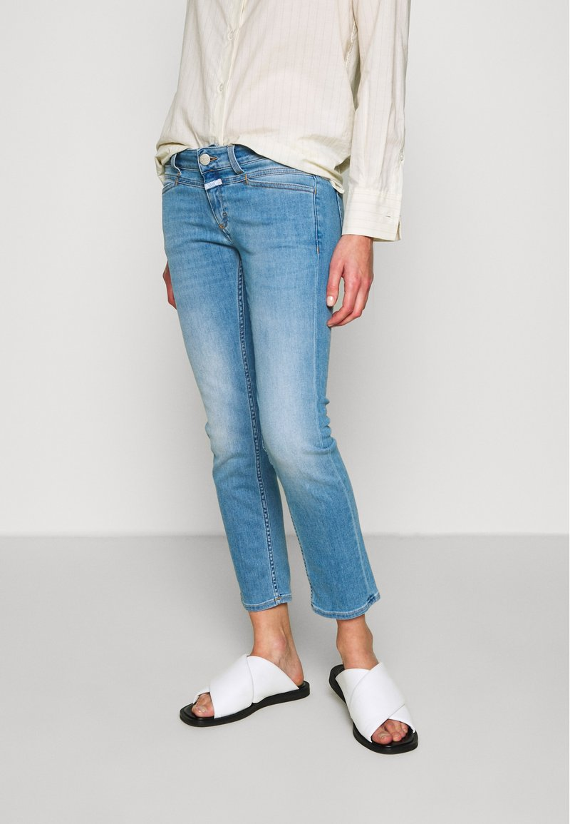 CLOSED - STARLET LOW WAIST CROPPED LENGTH - Jeans Skinny Fit - mid blue