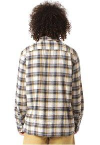 Vans - BLOMMFIELD - Shirt - natural - 1