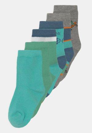 NKMBUBBER 6 PACK - Socks - green spruce
