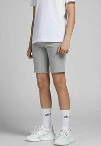 Jack & Jones Junior - 2 PACK - Shorts - light grey melange - 1