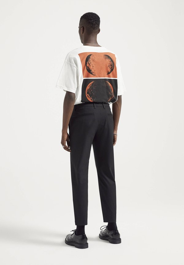 PULL&BEAR Spodnie materiałowe - black/czarny Odzież Męska NVOI