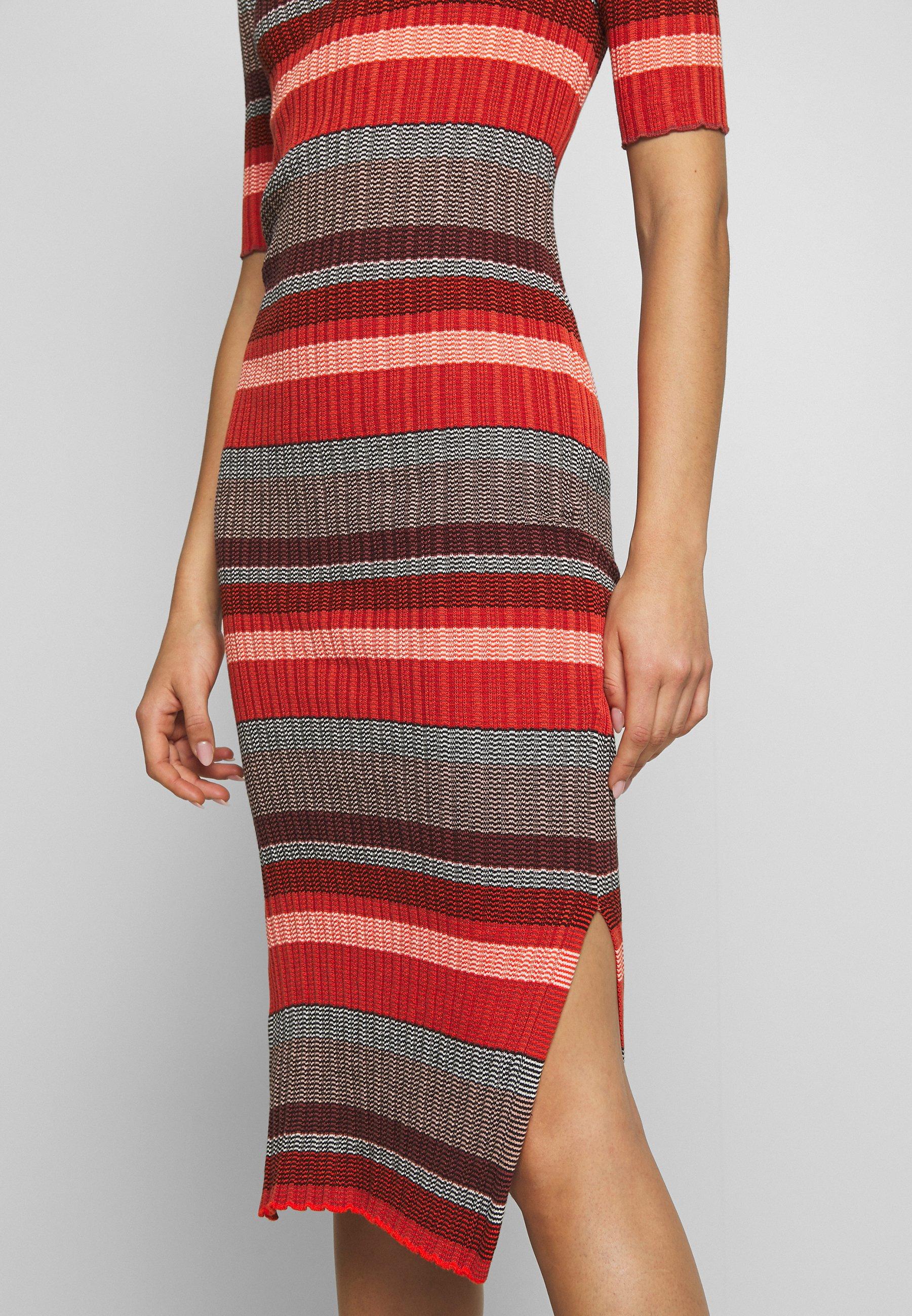 Soaked in Luxury MANDALAY DRESS Stickad klänning