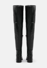 Missguided - LOW BLOCK HEEL BOOTS - Over-the-knee boots - black - 3