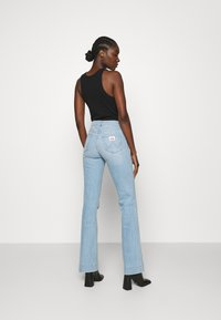 Wrangler - Flared jeans - clear blue - 2