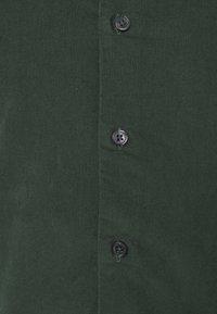 DOCKERS - ALPHA SPREAD COLLAR - Shirt - garden topiary - 2