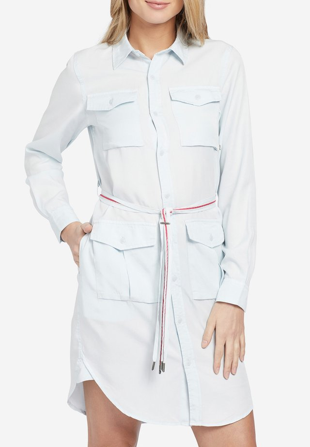 LEANNA - Robe chemise - hellblau